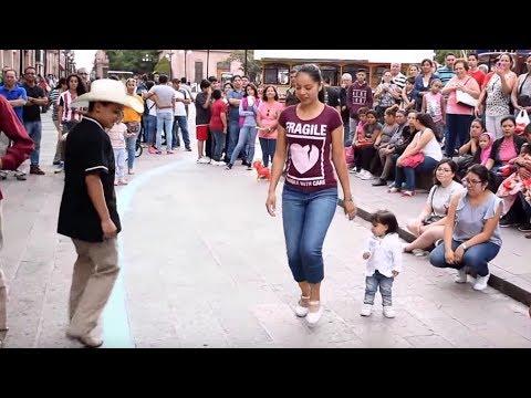 Zapateando el Querreque en el Centro de San Luis Potosí 2017 La Calle del Huapango