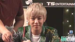 Daehyun eye contact @ B.A.P Fansign in Daejeon