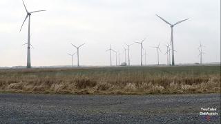 Windmühlen in Ostfriesland Windmühlen Park Windpark Windenergieanlagen Windkraftanlage