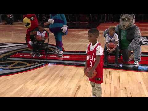 Lil' Chris Paul's Alley-Oop Dunk from