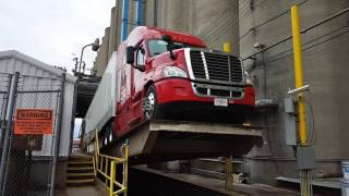 How They Load And Unload Wheat In A Dry Van Trailer