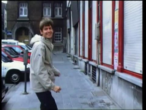 Pavement - Spit On A Stranger (1999)