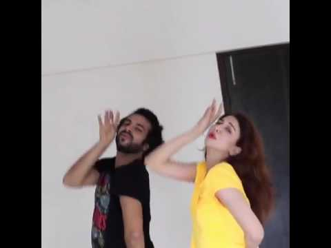 Saumya Tandon Hot Dance showing her assets during Dance Practice .She is looking absolutely stunning