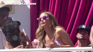 Jennifer Lopez bailando  en  Bikini  en fiesta en las Vegas.