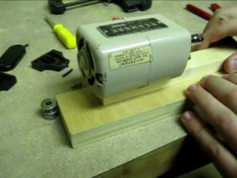 Micro Wood Lathe How to make it with a SEWING MACHINE MOTOR