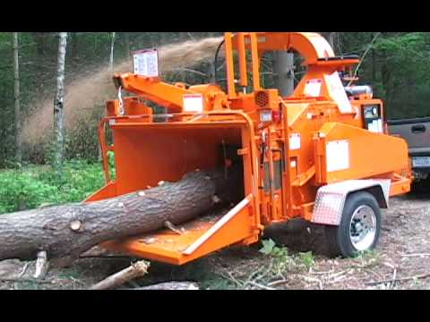 Bandit Model 1590 1590XP 18 capacity drum chipper our most popular