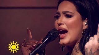 "Shirin sjunger låten ""Love Like Chemicals"" - Nyhetsmorgon (TV4)"