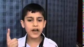 طفل يغني اغنية حزينة جدا