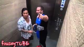 Liftde Görənləri qorxudan idmançı (Zarafat,Prikol,Saka,Funny) 2016