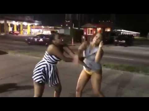 naked fighting..(malaya wapigana wakiwa uchi)