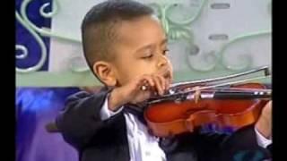 Andre Rieu & 3 year old violinist, Akim Camara 2005