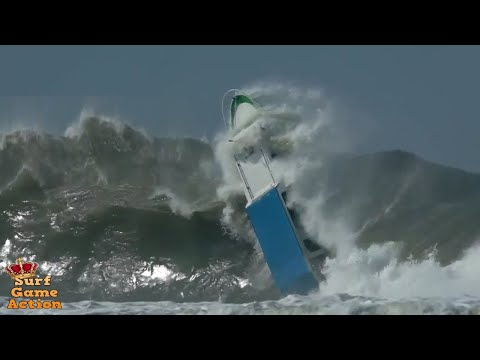Boats Caught Inside Massive Waves 2