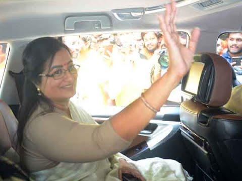 Xxx Mp4 LS Polls 2019 CCTV Footage Shows Sumalatha Ambareesh Allegedly Meeting Congress Leaders 3gp Sex