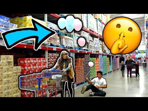 Sneaking Balloons onto People Ft. MoreJStu