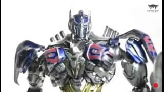 ComicCave Shadow Spark Optimus Prime - Articulation & Accessories