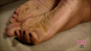 Darla TV - Sensual Wrinkled Soles And Pointed Toes