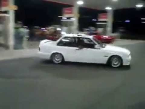 South Africa Mzansi's best BMW 325is gusheshe spinning at a garage