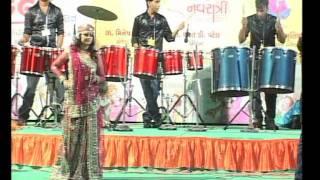 Gujarati Garba Song Navratri Live 2011 - Kalol - Darshna Vyas, Vipul Panchivala - Day-4 Part-14
