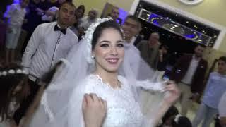 اقسم بالله زفه عروسه ملهاش حل ورقص جامد ع المزمار وحضن والد العروسه يبكى ZAFA 1