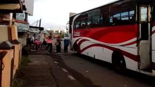 Telolet Bus Bonanza Pekalongan-Indonesia & bus Nourian Trans menyalip