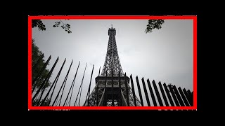 Breaking News | Paris builds Eiffel Tower anti-terror fence