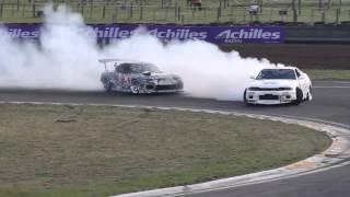 Mazda RX7 VS Nissan Skyline R33 Battle Drift 2013