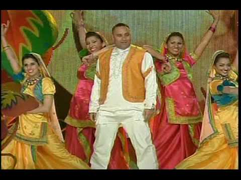 Russell Peters Opening Routine - Juno Awards 2009 (High Quality) Music by M-Rock)