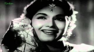 Chhupa Kar Meri Ankhon Ko Wo Puchya Koun Hoon  main -  Bhabhi (1957)