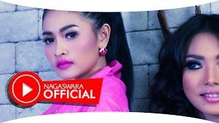 Duo Anggrek - 100% Kecewa (Official Music Video NAGASWARA) #music