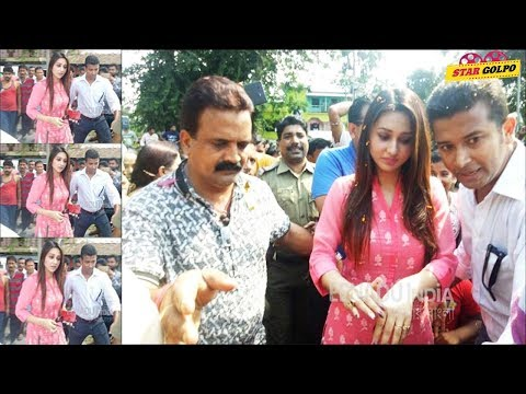 Xxx Mp4 ভক্তদের মাঝে গিয়ে বিপদে পড়লেন মিমি Bengali Actress Mimi Chakraborty News 3gp Sex