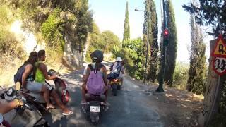 Corfù in scooter, alla ricerca di una spiaggia