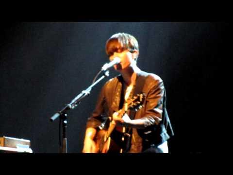11/14 Tegan & Sara - Babies love Sara's songs - BIYH - The Tivoli 14-Dec-10