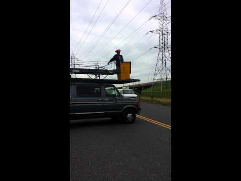 Cat and Good Samaritan get electrocuted