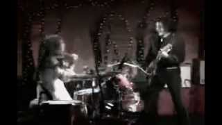 The White Stripes-Ball and Biscuit