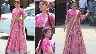 Sonam Kapoor Wedding-Beautiful Jacqueline Fernandez in Pink Outfit