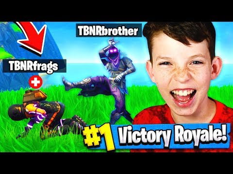 MY 12 YEAR OLD BROTHER CARRIED ME TO A WIN Fortnite Battle Royale