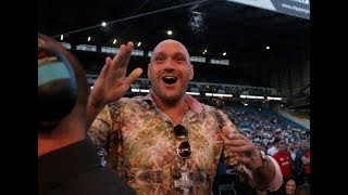 'THATS MY JAM' - TYSON FURY THROWS SOME SHAPES WITH FANS, RETURN OF THE MACK COMES ON