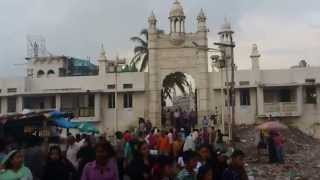 Haji Ali in Monsoon - Dargah Walk in Mumbai Monsoon