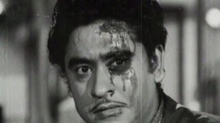 Ashok Kumar hits Kishore Kumar with a bottle - Bhai Bhai, Scene 11/15