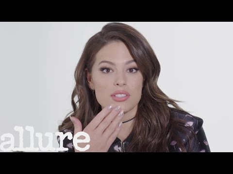 Ashley Graham Has the Most Organized Little Purse You'll Ever See | Allure