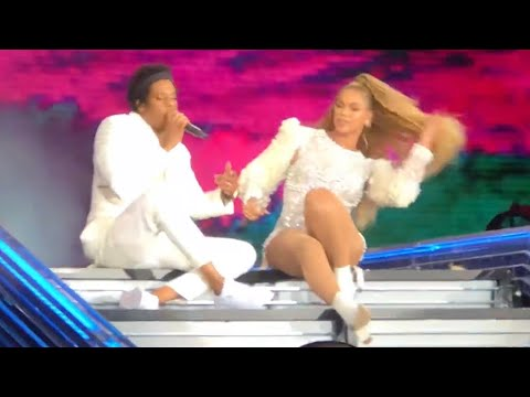 "Summer Live - Beyonce & Jay Z ""The Carters"" - Chicago Soldier Field - On The Run 2 Tour"