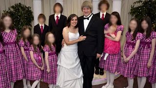 See The Parents Accused of Shackling Their 13 Kids Get Taken Away by Cops