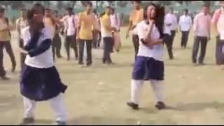 Bangladeshi girls dancing on Jaan Oh Baby