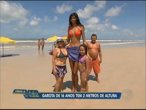 Tudo a Ver 22 08 2012 Garota de 16 anos e 2 m de altura chama a atenção de todos no Pará
