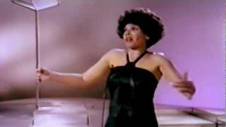 Shirley Bassey - The Way I Want To Touch You (1976 Show #1)