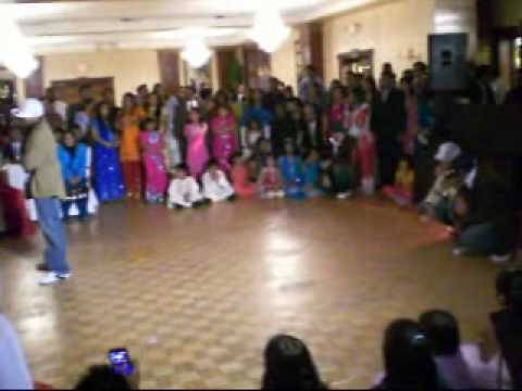 GREATEST MEHNDI DANCE EVER