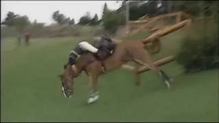Andrew Nicholson defies gravity - Burghley Horse Trials 2000