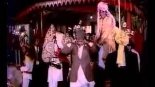 Aaj Mere Yaar Ki Shaadi Hai - Aadmi Sadak Ka (1977)