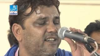 Kirtidan gadhvi - performing song