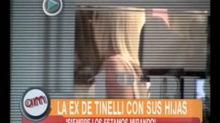 La ex de Tinelli con sus hijas - AM